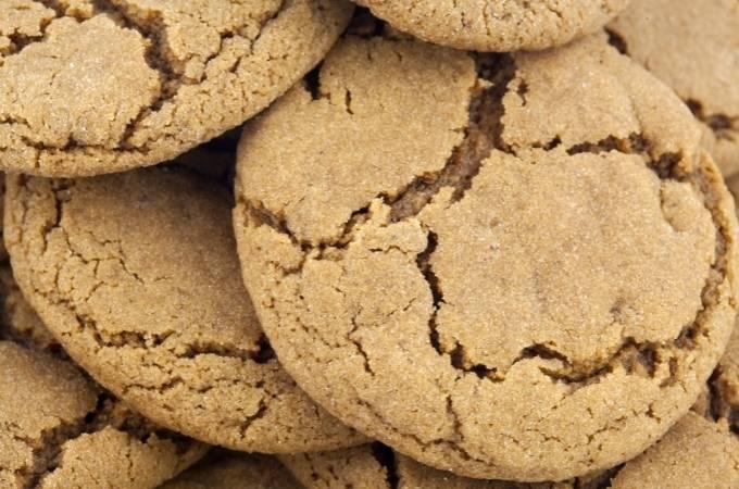 Banana molasses chewy cookies