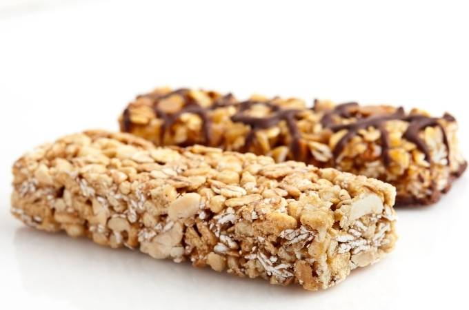 Chewy grain granola bars