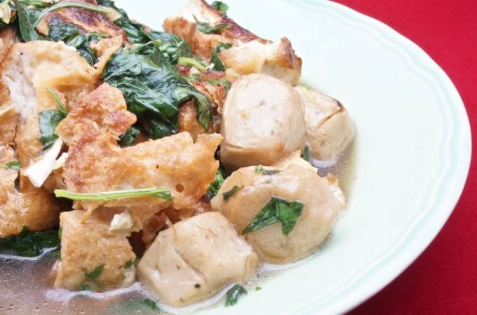 Vegetarian tofu meatballs